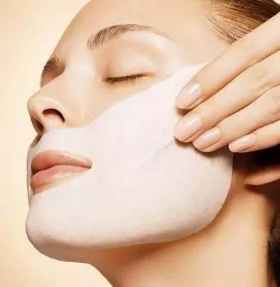牛奶面膜 多种敷法解决肌肤问题